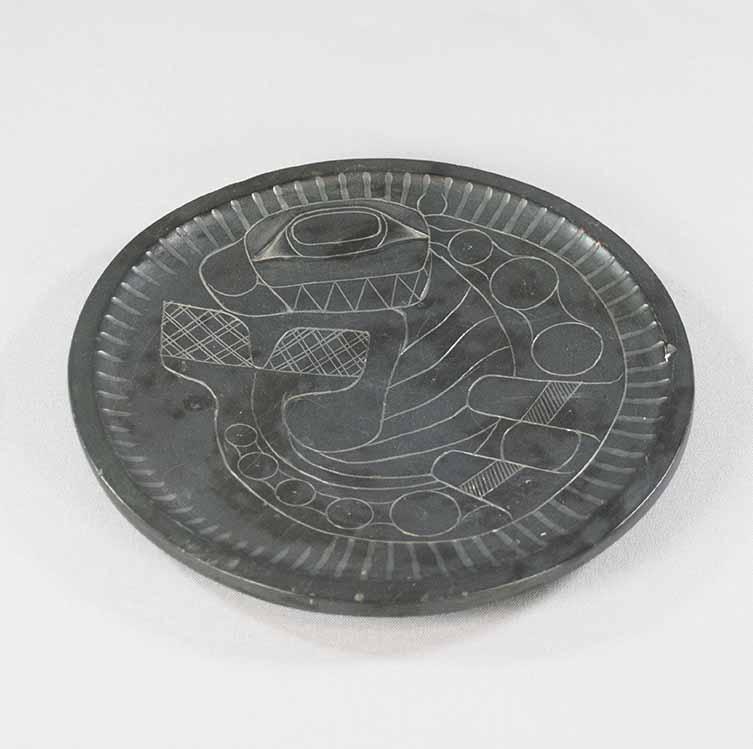 [plate]