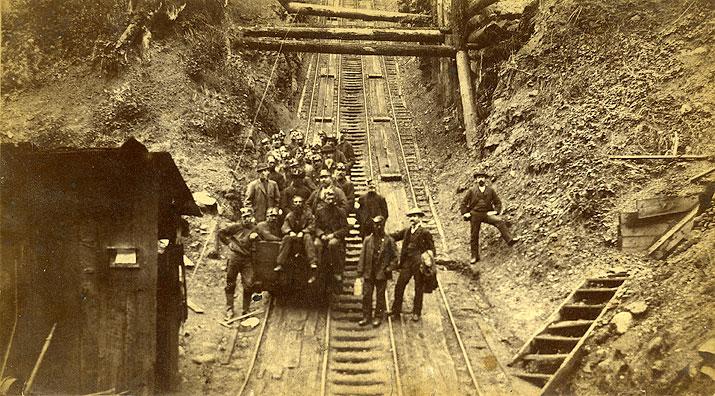 Incline to the coal mines, Carbonado