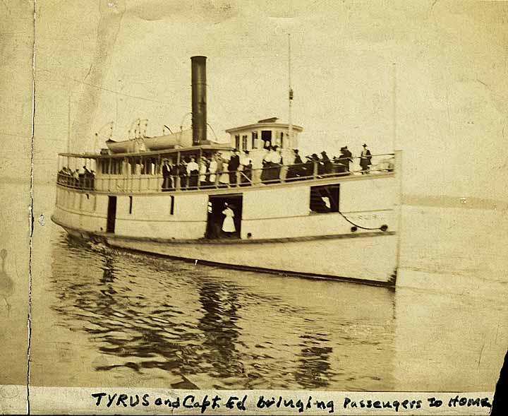 Tyrus and Capt. Ed bringing passengers to Home
