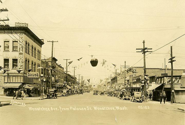 Wenatchee Ave. from Palouse St., Wenatchee, Wash.