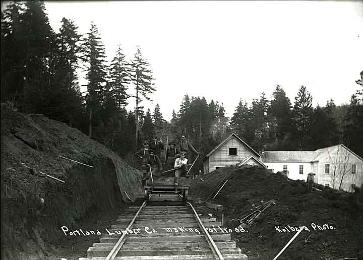 Portland Lumber Co. making railroad