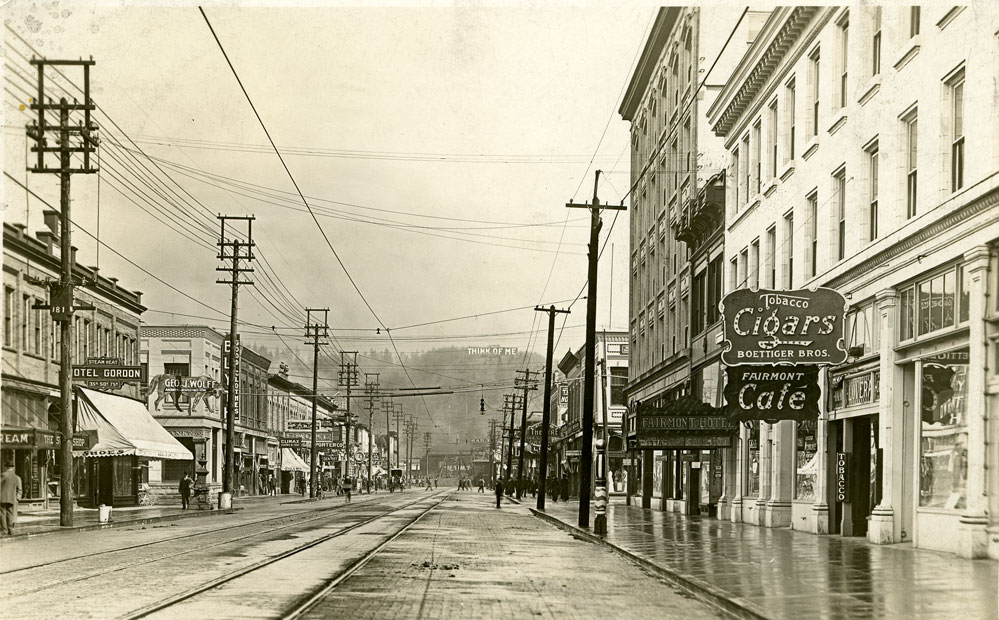 [Street scene of a main street, Aberdeen, Washington]