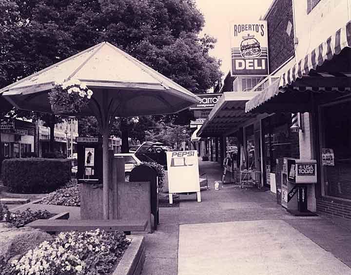 [Downtown street in Camas, WA]
