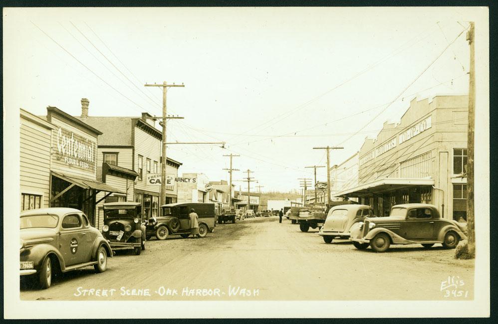 Street Scene - Oak Harbor - Wash.
