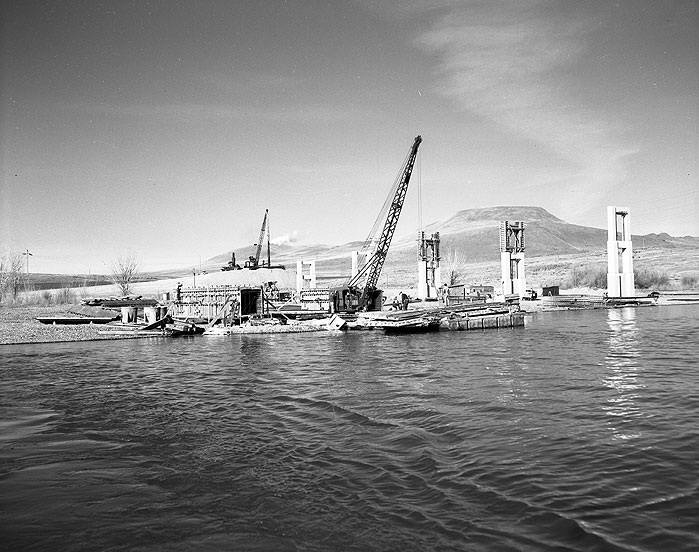[Umatilla Bridge Construction]