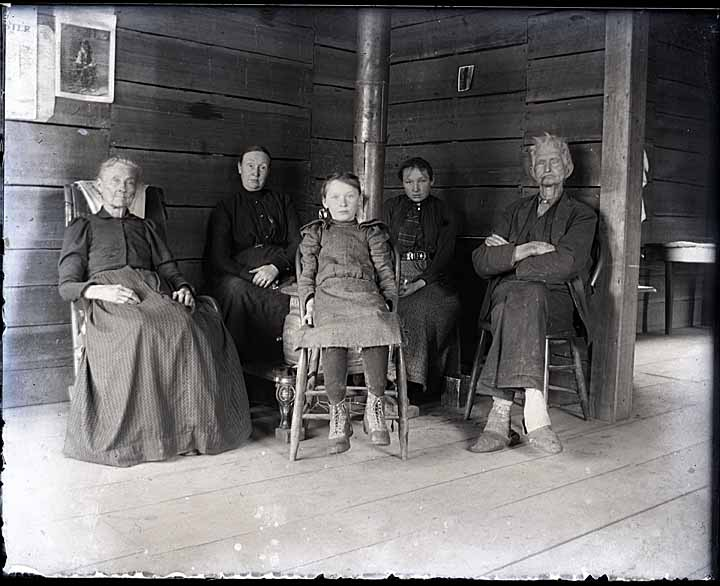 [Johnson-Donaldson family group at home on the Queets]