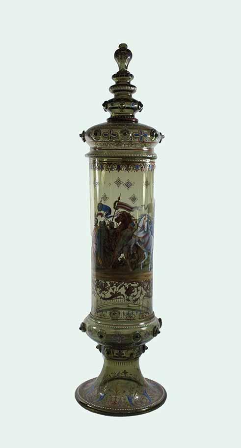 [urn or vase; pokal]