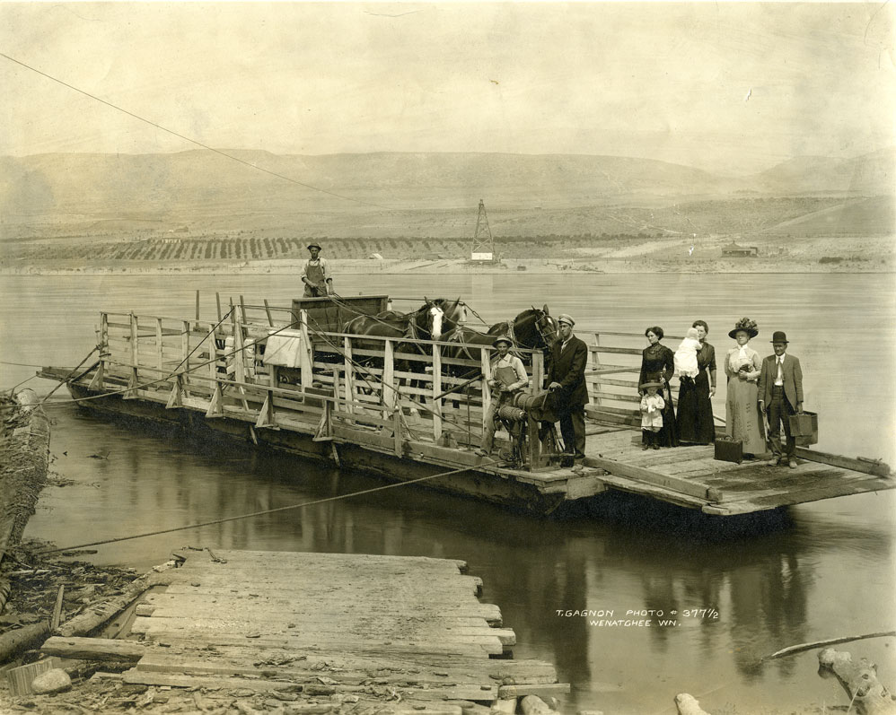 Columbia River Ferry, 1911