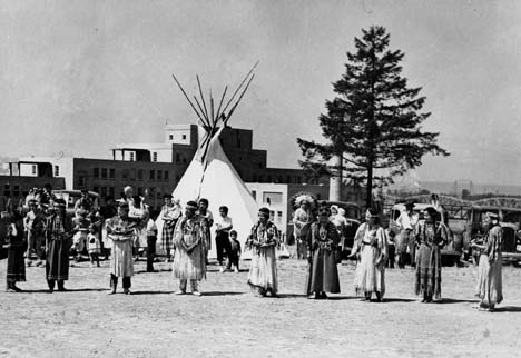 [group of Native Americans]