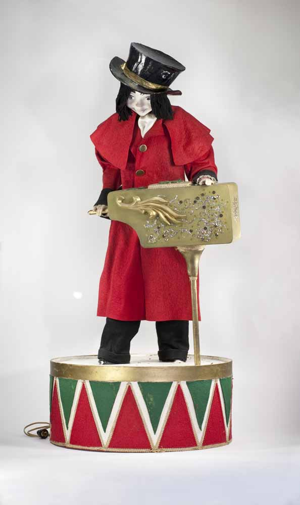 [mechanical figure used in Frederick & Nelson Department Store displays]