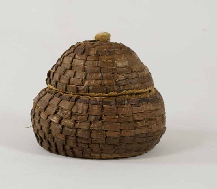 [Basket with lid]