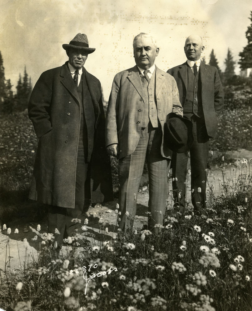 [Governor Hart and others at Paradise Inn]