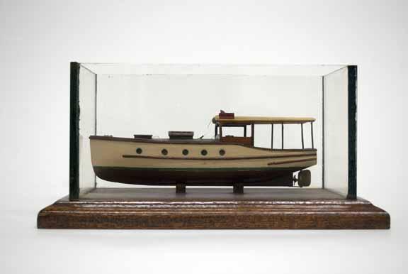 [model boat]