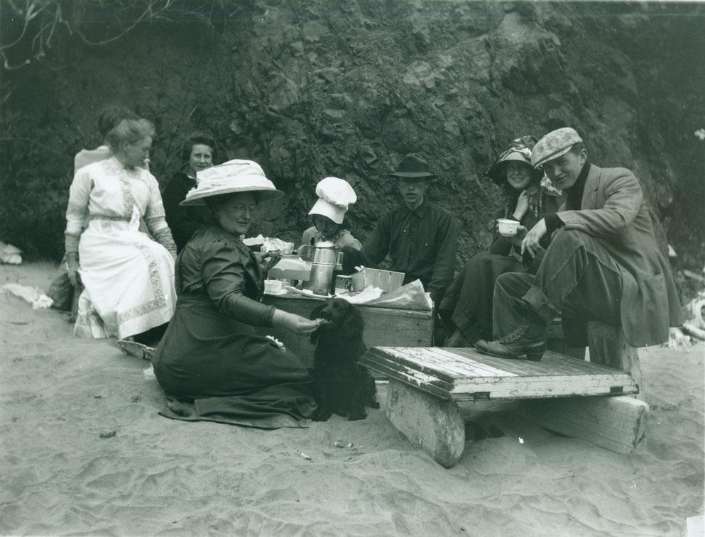 Family picnic on Ilwaco, WA beach